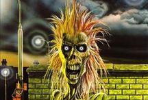 Albums / Iron Maiden (1980) / Iron Maiden fue el primer álbum de estudio larga duracion de Iron Maiden, a pesar de que contiene un par de versiones regrabadas de canciones de The SoundhouseTapes. La mayoría de las canciones de este álbum había sido interpretadas por la banda durante los últimos años su interminable serie de pequeños conciertos en vivo en varios clubs y pubs de Londres.  http://www.maidenthebeast.com/web/albums/iron-maiden