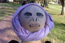 Kostýmy a masky
