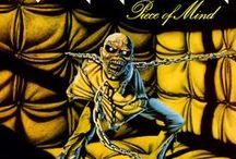 Albums /  Piece of Mind - 1983 / El primer album de Nicko McBrain como baterista de Maiden se caracteriza más que todo por ser uno de los álbumes más melódicos de la historia de la banda, y además, el favorito de dos de los integrantes: Bruce Dickinson y Steve Harris.  http://www.maidenthebeast.com/web/albums/piece-of-mind