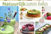 Mijn kookboeken Natuurlijk samen koken! & Gezonde wereldgerechten! / Een samenwerking van 18 foodies levert dit prachtige resultaat: Natuurlijk samen koken!  ** Bestel nu ook bij mij jouw exemplaar! ** Een foto- een receptenboek dat helemaal gebaseerd is op natuurvoeding. Met meer dan 175 heerlijke recepten!   #kookboek #natuurlijksamenkoken #gezondeeter #natuurvoeding #glutenvrij #tarwevrij #suikervrij #geraffineerde #suikervrij #recepten #clean #fitfood #powerfood #gezondewereldrechten
