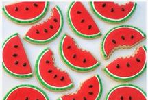 Decorated Cookies / Beautiful and creative decorated cookies / by Glorious Treats