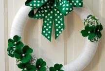 St. Patrick's Day / St. Patrick's Day crafts, printables, drinks, wreaths, DIY, cake, cupcakes, dessert, cards, leprechaun traps, sayings, party favor tags, nails.