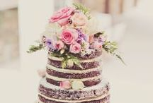 Have Your Naked Cake (And Eat It Too!) / Our favourite naked wedding cake ideas.