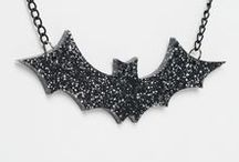 SCARE ME! / Halloween, Costume jewellery, bats, ghost, moon, witch, pumpkins, costume, accessories, velvet choker, crown, headdress, head pieces, bat, glitter, holographic, spider, spider net, spider web, roses, lightning bolts,