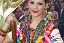 Lo que México dice. / / Las tradiciones y artesanias son el lenguaje de México. Cada indumentaria y artesania es representativa de cada estado y de cada region etnica. / by Raquel Inés López