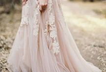 Blush Wedding / Inspiration for a blush wedding colour scheme.