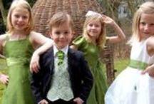 Brudtärnor och brudnäbbar/Bridesmaids and Flower girls / De uppvaktande / by Mahill