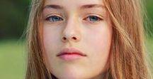 """Kristina Pimenova / *Kristina Pimenova is a child model and dancer from Russia. *Kristina Ruslanovna Pimenova (d. 27 Aralık 2005, Moskova) Rus çocuk model, dansçı ve jimnastikçi. Kristina Ruslanovna Pimenova (d. 27 Aralık 2005, Moskova), Pimenova çeşitli değerlendirmelerde """"Dünyanın en güzel kızı"""" olarak nitelendirilmektedir. Pimenova 2015'te Kaliforniya'ya taşındı. Ertesi yıl LA Models ile sözleşme imzaladı."""