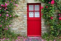 La porte à côté