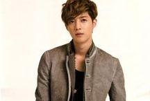 kim hyun joong outfits
