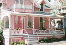 """Gotta Love Gingerbread 2 / Examples of Victorian and Edwardian houses with exceptional architecture, great """"gingerbread"""" trim and paint jobs, or just plain cute Victorian cottages. / by Kathleen Moore"""