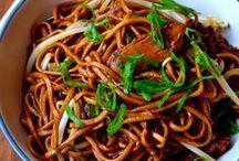 Noodles - Ramen - Chow Mein - Mi goreng / Eten