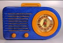 Catalin and Bakelite Deco Radios / by As Time Goes Bye
