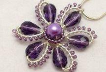 Korálky a šperky z drátků