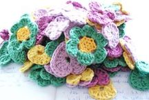 Crochet - Flowers & Leaves/di Hilaria Fina