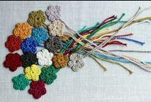Crochet - Tiny Flower & Leaf / by Hilaria Fina