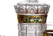 Caesar crystal Bohemiae : Czech glass / CAESAR CRYSTAL BOHEMIAE, a.s. je pokračovatelem tradice kvalitní sklářské výroby ve sklárně Josefodol, která byla v roce 1861 založena brusičským mistrem Josefem Schreiberem  u města Světlá nad Sázavou na Českomoravské vrchovině.