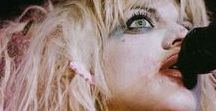 Hole lotta Courtney Love