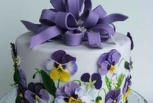 Bakery Beauties / Amazing cakes, cupcakes, cookies and petit fours - such talent!   / by Kim Rafferty