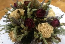 CHARM OF DRIED FLOWERS / Collect yuor fresh flowers. Dry them. Finally create your own floral arragements.