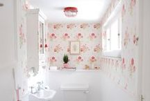❥ Shabby chic decor / Just the most feminine and lovely decoration style.