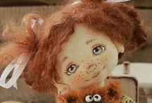 Dolls - Panenky s malovaným obličejem