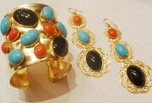 CLEOPATRA COLLECTION / Gold plated wide cuff, necklace, brooch and ring. Made with Swarovski elements.