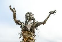 Art out of waste in Albany, CA / Early morning bicycle trip surprised me completely. I headed from Berkeley, CA to SF Bay shoreline and my very first time to the peninsula in my neighboring town Albany. In the dead end there was an apocalyptic monster waiting for me. Meet the 3 meters tall lady made of waste and other works of art.