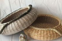 košíky, koberečky / pletení košů z proutí,papíru, tkaní