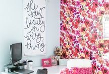 Big & Bold florals / Add florals anywhere and everywhere! From your living room to your bedroom - Here is how to do it