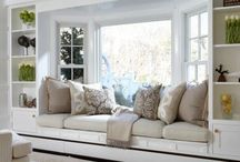 Window seating / Window seating is an excellent idea for the spare space under the window. It looks nice and can be a cosy place to plonk yourself and relax. Here are some great ideas and inspiration for your windows at home!! Enjoy