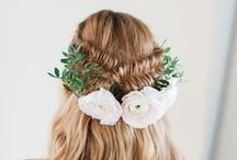 Wild Flowers In Your Hair / Bridal hair strewn with flowers - delicious, dreamy & a little bit of nature.