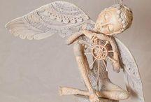 Art dolls & curiosities