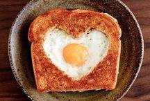 Herzhaftes zu Frühstück & Brunch / Wie sagt man so schön? Der Morgen macht den Tag. Auf dieser Pinnwand sammeln wir tolle herzhafte Frühstücks- und Brunchrezepte für einen guten Start in den Tag. Von schnell gemacht bis zum Verwöhnfrühstück - hier finden sowohl Frühaufsteher als auch Morgenmuffel ihr Glück!