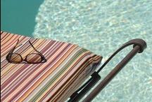 Le Domaine des Clos / Le Domaine des Clos est un Mas Provençal du XVIIIe où vous trouverez la convivialité d'une Maison d'Hôtes et le confort d'un Hôtel de Charme. Enfant du Pays, Sandrine et David AUSSET mettent tout en oeuvre pour vous faire découvrir cette belle région. Dans un rayon de 30 Km : Beaucaire et Tarascon, Nîmes et Avignon, le Pont du Gard et Uzès, les Alpilles et Saint Rémy de Provence, Arles et la Camargue...