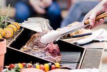 Es wird angegrillt!   Barbecue / Grillen, Sommer, Sonnenschein - hier findet ihr alles was zu einem Grillabend mit Freunden dazugehört! Vom besten Nudelsalat aller Zeiten, über den passenden Drink zum Anstoßen bis hin zur perfekten Marinade für dein Steak!