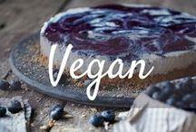 What Vegans Eat - Vegane Rezepte / So lecker ist vegan! Ob Frühstück, Mittag- oder Abendessen, hier findet ihr vegane Rezepte die schnell, einfach und gesund sind. Von veganer Suppe über herzhaften Auflauf, bis hin zu leckerem Nachtisch. Für jeden ist etwas dabei...und vegan Backen ist natürlich auch kein Problem!