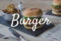 Burger & Pommes / Wir lieben Burger! Am besten finden wir ihn mit fluffigen #Buns, einem saftigen Patty und hausgemachter Sauce!
