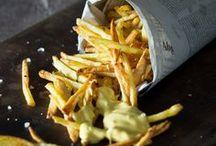 Pommes Frites / Wir lieben Pommes in all ihren Erscheinungsformen! Ob Süßkartoffelpommes oder klassisch, ob frittiert oder im Ofen gebacken - hier findet ihr die besten Rezepte für hausgemachte Pommes. Plus: die leckersten Saucen!