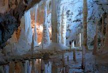 Ice cave / Jaskinie lodowe