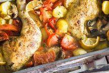 Ab in den Ofen   Fleisch & Fisch / Knuspriges Hähnchen, duftender Lachs und überbackene Burritos lassen uns das Wasser im Mund zusammen laufen! Euch auch? Dann ab in den Ofen mit diesen schnellen und einfachen Gerichten.