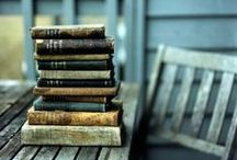 Books / Libraries / by Kelly Duarte