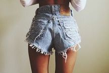High Waisted Shorts Addiction / High Waisted Shorts Outfit Ideas - perfect for spring & summer