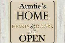 Awesome Aunt & Uncle Gifts / The best gifts and ideas for aunt and uncles to celebrate their awesomeness!