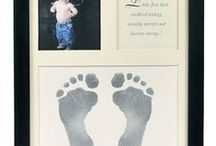 Handprint Keepsakes & Crafts / Adorable and creative family hand print keepsakes make a great personal, fun and memorable gifts. Catch them while you can!
