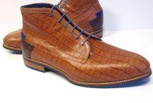 Herenschoenen / Ook voor mannen zijn de variaties  orthopedische schoenen eindeloos. Doe eens gek met kleur, het resultaat is verrassend leuk!