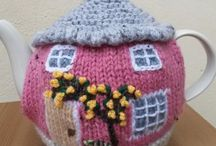 Crochet/knittet teapots