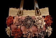 Bolsas croche, trico, etc / by Patrícia Trucolo