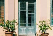 PORTAS E JANELAS / DOORS AND WINDOWS / by marilene rosas