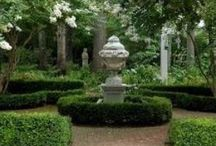 MANOR HOUSE FORMAL GARDENS